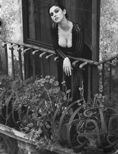 Top Photographers, Top Models — Monica Bellucci by Ferdinando Scianna Monica Bellucci Young, Monica Bellucci Photo, Monica Belluci, Beautiful Celebrities, Most Beautiful Women, Hollywood Actresses, Actors & Actresses, Italian Actress, Black And White