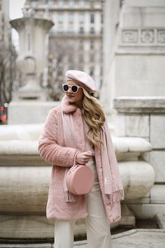 Cozy in faux fur // Pink outfit inspiration for Fall/Winter on Atlantic-Pacific Paris Outfits, Pink Outfits, Chic Outfits, Fashion Outfits, Pretty Outfits, Fashion Women, Style Fashion, Fall Winter Outfits, Autumn Winter Fashion
