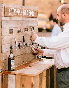 Rustic Wedding Beer Bar   This DIY beer bar is totally unique and will certainly make your rustic wedding stand out from the crowd.