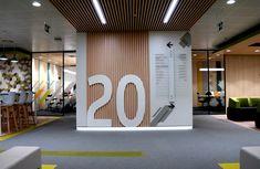 Directorio realizado en lamas imantadas de metacrilato y número recortado en PVC Interior Exterior, Company Logo, Interiors