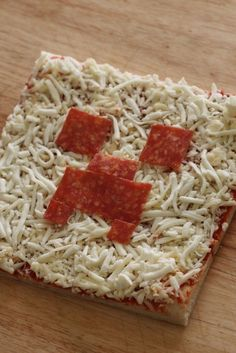 Minecraft creeper pizza party food