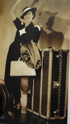 1000 images about louis vuitton on pinterest vintage louis vuitton louis vuitton luggage and. Black Bedroom Furniture Sets. Home Design Ideas