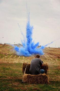 Tannerite and chalk gender reveal - Lauren Cook Photography #pregnancyideas