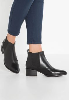 Chaussures Vagabond MARJA - Boots à talons - black noir: 109,95 € chez Zalando (au 12/11/17). Livraison et retours gratuits et service client gratuit au 0800 915 207.