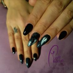 Gel Feather Nails Feather Nails, Catwoman, Gemstone Rings, Gemstones, Beauty, Inspiration, Color, Accessories, Jewelry