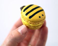 For you, Mommy!!!! Project Denneler: Bumblebee Macarons