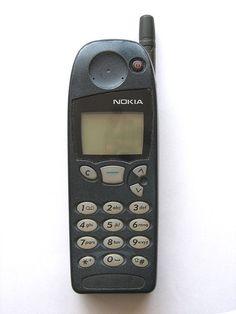 Mein erstes Handy Nokia 5210 Das Schlangenspiel auf den alten Nokias war legendär