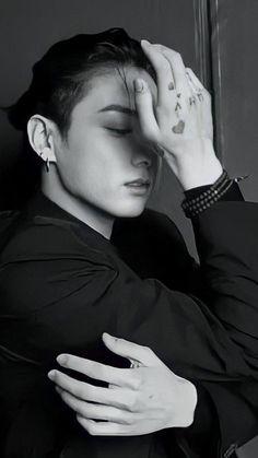 Foto Jungkook, Foto Bts, Kookie Bts, Jungkook Cute, Bts Taehyung, Bts Bangtan Boy, Jikook, Caroline Dhavernas, Kpop