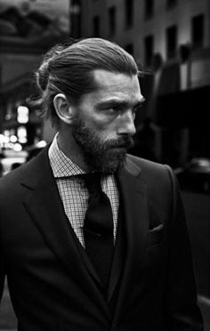 Growing and Maintaining the Perfect Beard - Hairstyle on Point Hair And Beard Styles, Long Hair Styles, Man Bun Hairstyles, Long Hair Beard, Moda Blog, Perfect Beard, Men Style Tips, Gentleman Style, Facial Hair