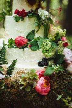 Nature-Inspired Wedding Cake