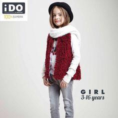 Morbido gilet bordeaux in eco pelliccia + morbido collo in tricot + girocollo a manica lunga + denim grigio stretch | Outfit su www.ido.it   #Winterkidscollection #Kidswear