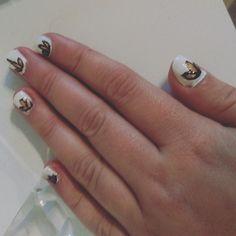 Leafs Nails