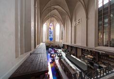 A 15th-Century Cathedral becomes a bookshop | BK. architecten - Waanders In de Broeren