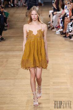 Chloé Frühjahr/Sommer 2015 - Pret-a-porter - http://www.flip-zone.de/fashion/ready-to-wear/fashion-houses-42/chloe-5051 - ©PixelFormula