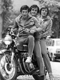 Jean-Michel Larqué, Michel Platini et Dominique Bathenay, 1976
