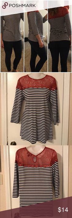 Nwot Anthropologie style top Not Anthro but similar style. This is in perfect condition and has stretch to it could fit as medium Fenn Wright Manson Tops Tees - Long Sleeve