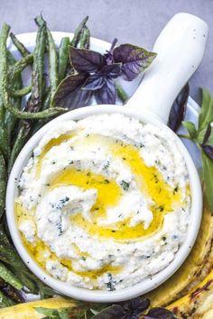 Ricotta Dip, Ricotta Cheese Recipes, Baked Ricotta, Vegan Ricotta, Appetizer Salads, Cheese Appetizers, Appetizer Recipes, Snack Recipes, Snacks