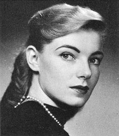 Actress Susan Sullivan - 1960 high school Sr year photo - she played Maggie Gioberti on Falcon Crest in the Falcon Crest, Susan Sullivan, Fantasy Team, Senior Year Of High School, Bombshell Beauty, Nostalgia, The Next Big Thing, Famous Stars, Studio Portraits