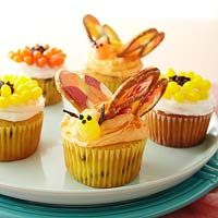 Butterfly Garden cupcakes. Love the butterfly idea- just a pretzel and melted chocolate!