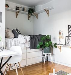 Marvelous Photo of Tiny Apartment Ideas Decor Bedrooms . Tiny Apartment Ideas Decor Bedrooms 9 Dreamy Bedroom Ideas For Tiny Apartments Daily Dream Decor Small Apartment Bedrooms, One Room Apartment, Apartment Design, Tiny Bedrooms, Bedroom Small, Warm Bedroom, Cozy Apartment, Apartment Ideas, Bedroom Ideas For Small Rooms Cozy