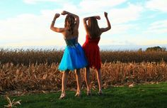 Cute homecoming picture idea with your best friend @ccore01 (Best Friend Photoshoot)