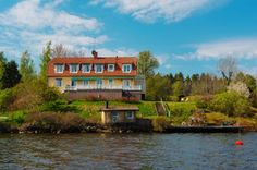 For generations, Sweden's upper classes have been buying second homes within the Stockholm archipelago. Stockholm Archipelago, Residential Real Estate, Sweden, Island, Mansions, Bathroom, House Styles, Washroom, Manor Houses
