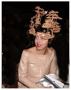 Isabella Blow (was an English magazine editor). The muse of hat designer Philip  Treacy 3a435dd53f51