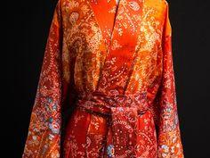 http://www.baddaochbada.se/bada/shop/morgonrockar-o-sovplagg/kimono-rialto-rosso