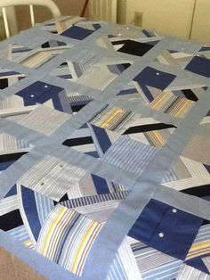 and from all those leftover men's shirts. A quilt top! Would love to make one out of my Pawpaws old shirts. Colchas Quilt, Plaid Quilt, Man Quilt, Boy Quilts, Quilt Top, Shirt Quilts, Shirt Pillows, Scraps Quilt, Denim Quilts