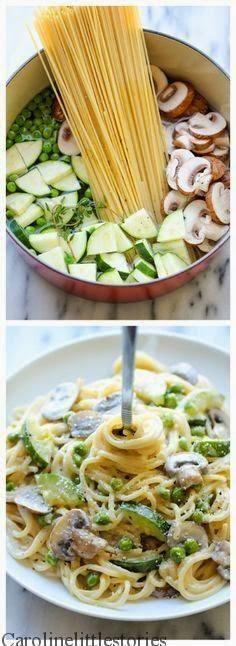 Pot Zucchini Mushroom Pasta One Pot Zucchini Mushroom Pasta - A creamy, hearty pasta dish that you can make in just 20 min.One Pot Zucchini Mushroom Pasta - A creamy, hearty pasta dish that you can make in just 20 min. I Love Food, Good Food, Yummy Food, Comida Diy, Vegetarian Recipes, Cooking Recipes, Cooking Ideas, Cooking Tools, Vegetarian One Pot Meals