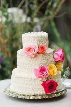 #Wedding Cake |  See the wedding on SMP -  http://www.StyleMePretty.com/2014/01/13/diy-backyard-oregon-wedding/ Anna Jaye Photography