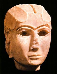 A dama de Warka, III milênio a.C., Museu do Iraque, Bagdá.