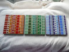 Monochromes MOSAIC Trivets / Coasters / Tea Light Holders Mosaic Art Projects, Stained Glass Projects, Mosaic Ideas, Ceramic Tile Crafts, Mosaic Crafts, Mosaic Designs, Mosaic Patterns, Gaudi Mosaic, Christmas Mosaics