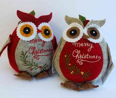 Christmas owl - The English Owl Company Christmas Owls, Felt Christmas Ornaments, Christmas Holidays, Christmas Decorations, Owl Crafts, Holiday Crafts, Felt Pincushions, Sew Pillows, Zipper Crafts