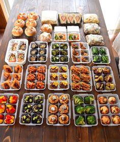 Clean Recipes, Cooking Recipes, Healthy Recipes, Menue Design, Fairy Food, Sushi Recipes, Food Concept, Exotic Food, Cafe Food