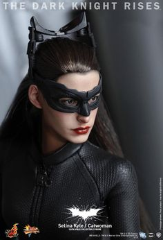 Another Amazing Hot Toys Action Figure : Catwoman From  The Dark Knight Rises