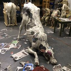 Will Kurtz - Papier maché sculptures -Blog Graphiste / Sculptures, photos, Ver & Vie….