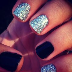 Shellac black and Gel with glitter!<3