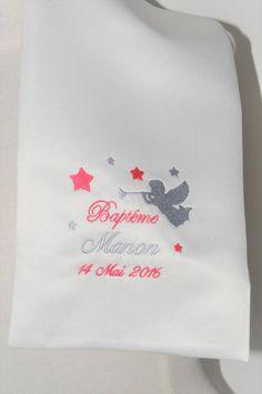 1f729064246e écharpe étole de baptême ange et étoiles personnalisée brodée pour garçon  ou fille