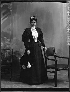 Mrs. F.W. Smith, Montreal, QC, 1896, II-116850 © McCord Museum