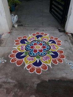 பார்த்ததில் பிடித்தது Rangoli Patterns, Rangoli Ideas, Rangoli Designs Diwali, Kolam Rangoli, Simple Rangoli, Mehandhi Designs, Kolam Designs, Latest Rangoli, Indian Rangoli