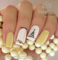 2019 faszinierende quadratische Acrylnägel in der. You are in the right place about Spring Nails . Cute Christmas Nails, Xmas Nails, Holiday Nails, Fun Nails, Gold Nails, Gold Christmas, Christmas House Lights, Outdoor Christmas, Christmas Tree Decorations
