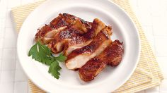 My Garlic & Lime Chicken Thighs are crisp and packed full of the delicious flavours of garlic and lime. The tasty marinade does all the work for you. Garlic Lime Chicken, Salad Toppings, Pork Spare Ribs, Barbecue Sauce Recipes, Weekday Meals, Barbecue Chicken, Grilled Meat, Food Presentation