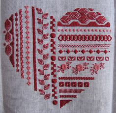 all types of hand embroidery stitches Troços de Trapos - lots of great stitching ideas Like the idea of a stitch sampler but in a cute shape like this ♥ Lovely idea for trying new stitches. Lovely way to use decorative machine stitches Embroidery Hearts, Embroidery Sampler, Hardanger Embroidery, Embroidery Needles, Hand Embroidery Stitches, Learn Embroidery, Modern Embroidery, Hand Embroidery Designs, Embroidery Techniques
