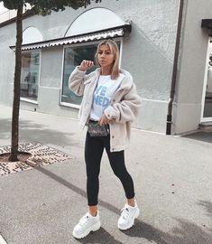 Cute Sporty Outfits, Retro Outfits, Stylish Outfits, Platform Sneakers Outfit, White Sneakers Outfit, City Outfits, Fashion Outfits, Buffalo Shoes, Lazy Fashion