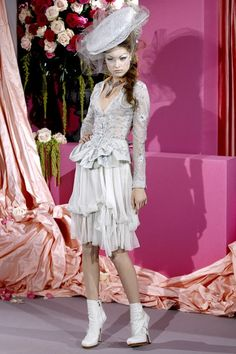 See the complete Christian Dior Spring 2010 Couture collection.