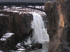 2. Paterson's Great Falls frozen over, taken in 2006.16 Beautiful Shots Of Snowy Days In New Jersey