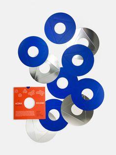 Acona Biconbi - A toy, a game, a sculpture, by Bruno Munari, 1961 | Geometric paper toy