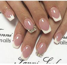 french nails black Line Fancy Nails, Love Nails, Pretty Nails, French Nail Art, French Tip Nails, Frensh Nails, Nail Designs Bling, Nailed It, Bride Nails