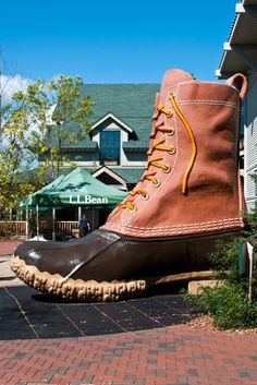 Bean in Freeport, Maine. When you visit Maine, you need a picture with the Boot! Places To Travel, Places To Go, Before I Forget, Visit Maine, New England States, Freeport Maine, Ogunquit Maine, Acadia National Park, Roadside Attractions